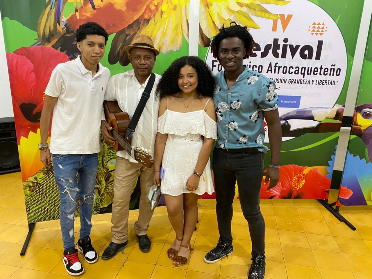 Estudiante de Comunicación Social y Periodismo de la Umanizales es presentadora y cantante del IV Festival Folclórico Afrocaqueteño