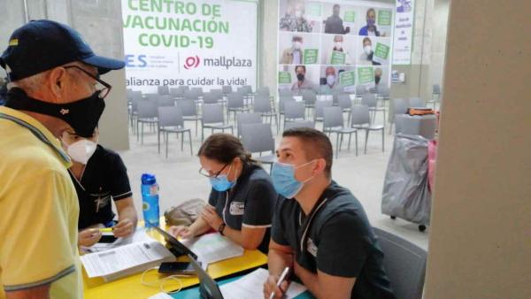 Estudiantes de la Facultad de Salud UAM apoyan procesos de Vacunación en Manizales