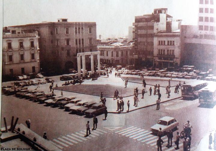 Plaza de Bolívar de Manizales en 1983.
