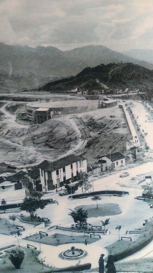 """Plaza de toros de Manizales """"La Monumental"""" en construcción"""