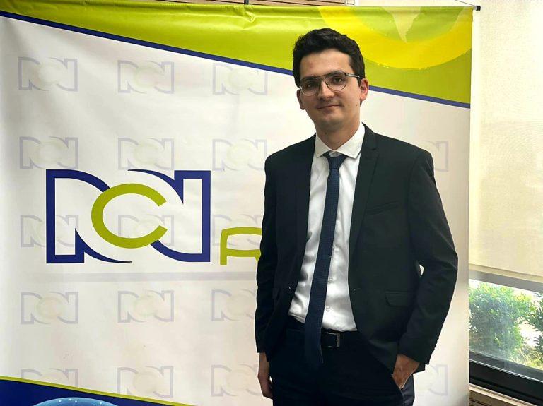 Juan David Valencia Duque, graduado UManizales, es el nuevo periodista de RCN Radio