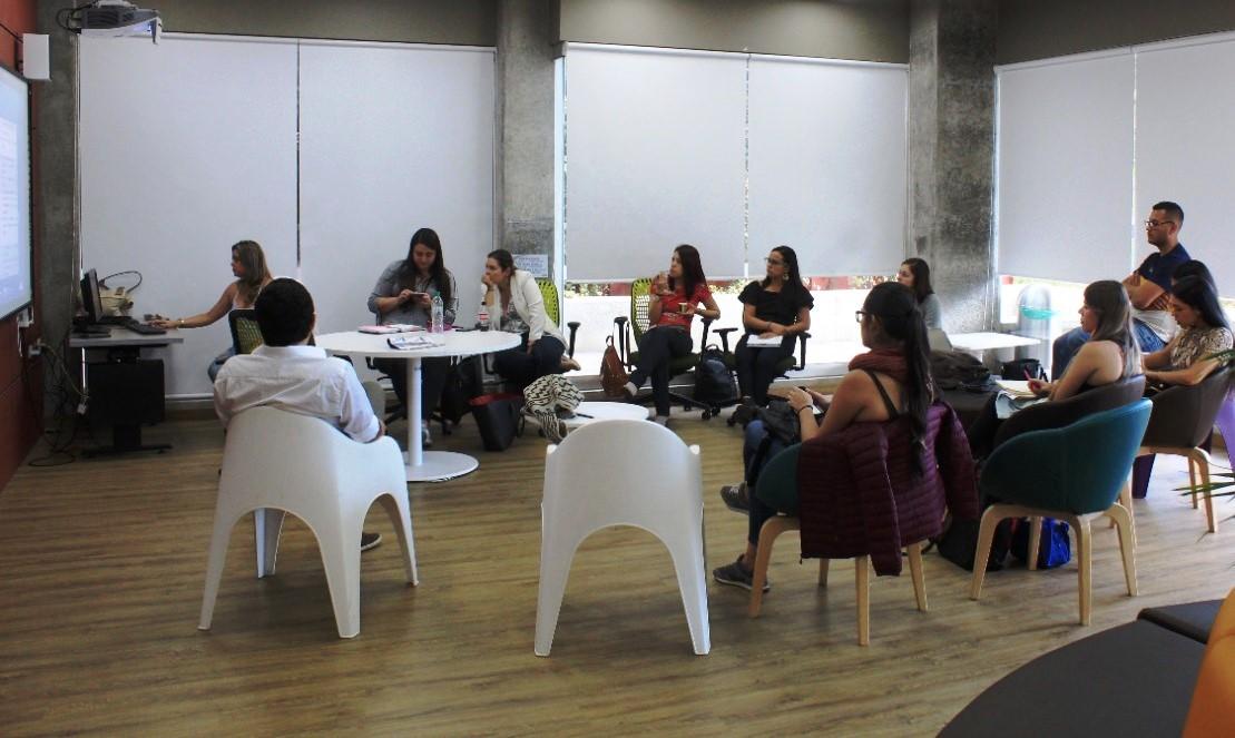 Umanizales continúa la formación gratuita en emprendimiento con el Programa Terracota
