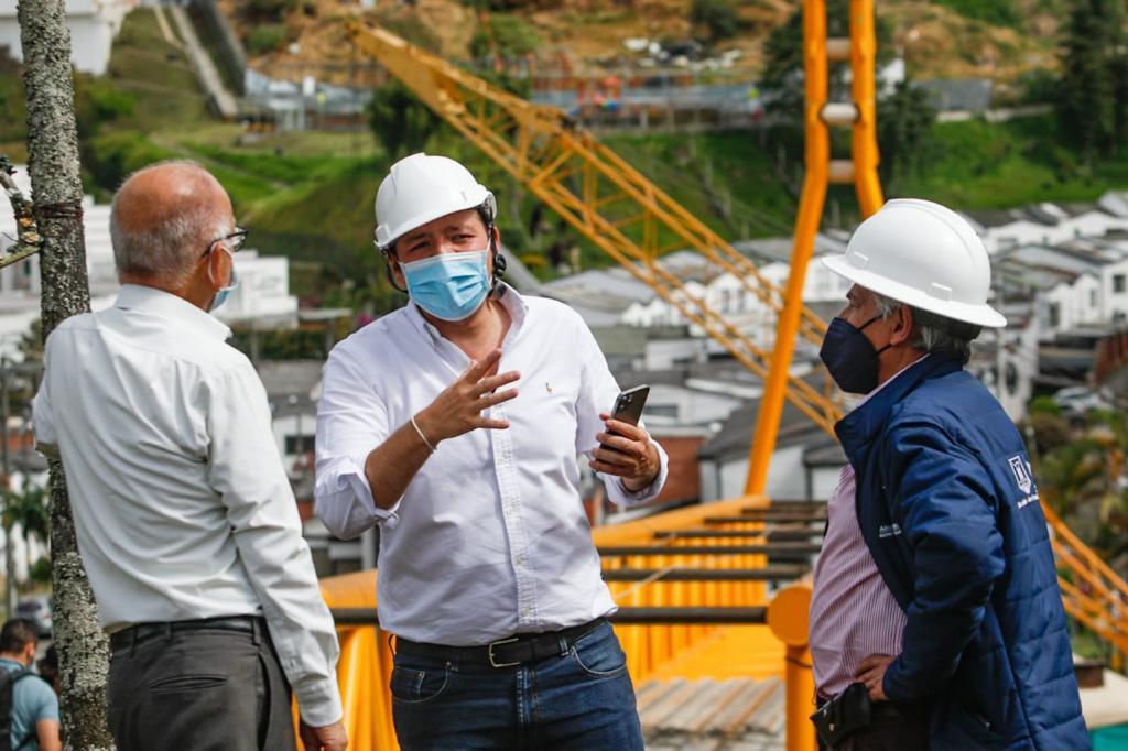 El alcalde Carlos Mario Marín Correa evaluó el avance de obras en La Enea, Palermo, Estadio Palogrande y Faneón.
