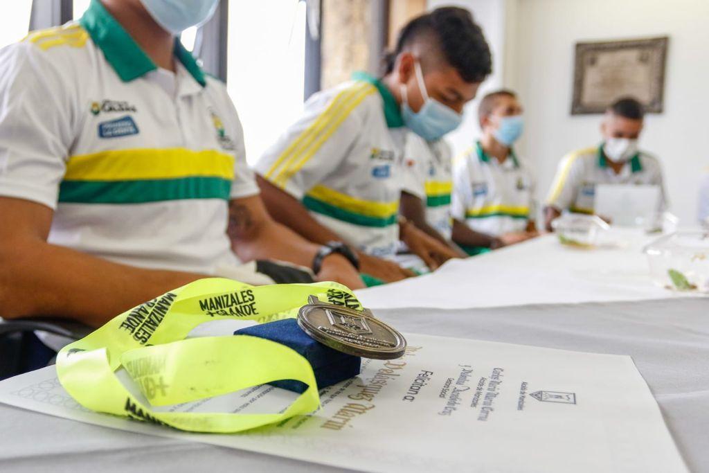 Alcaldía de Manizales entregó reconocimiento a la Selección Caldas, campeona sub21