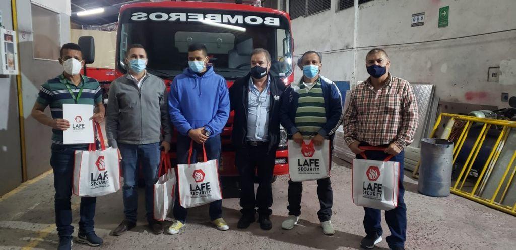 Bomberos de Manizales se capacitaron en el manejo de la nueva máquina cisterna que llegará al municipio.