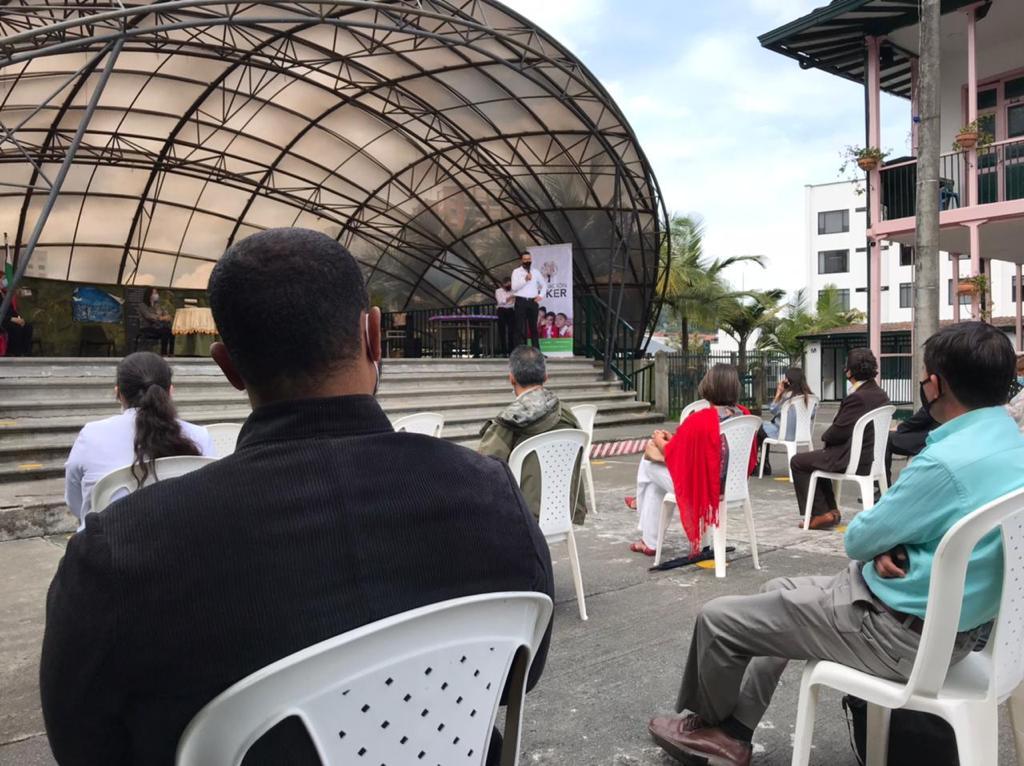Con la entrega de nuevas tablets y simcards, colegios de Manizales fortalecen el regreso a la educación presencial.