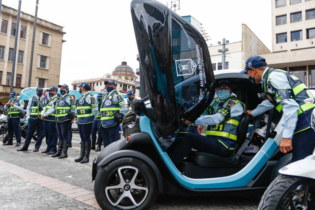 El alcalde de Manizales, Carlos Mario Marín Correa, hizo entrega de 22 vehículos nuevos que fortalecerán las labores de las autoridades de tránsito