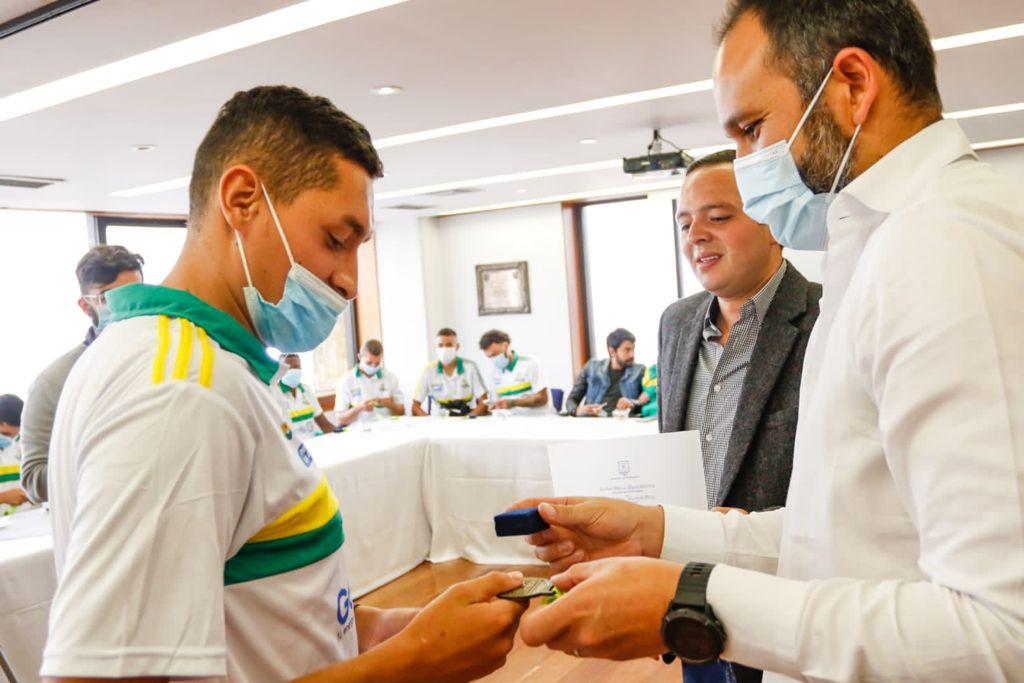 El alcalde de Manizales, Carlos Mario Marín Correa, recibió a la Selección Caldas
