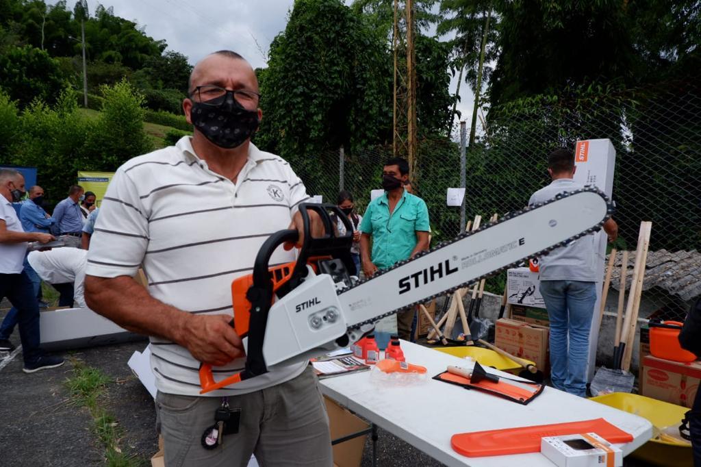 Secretaría de Agricultura entregó combos de maquinaria y herramienta agrícolas a 15 Juntas de Acción Comunal rurales
