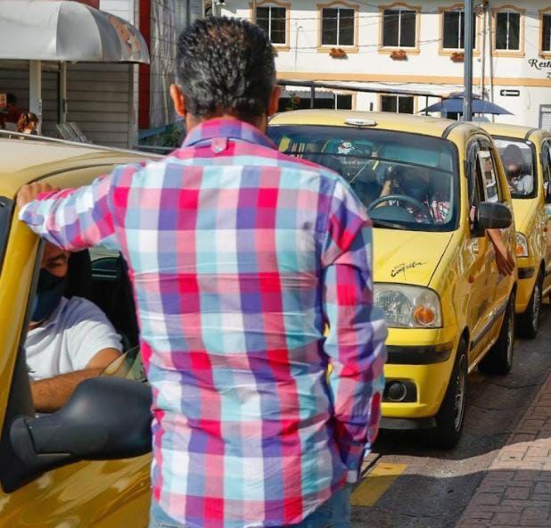 Secretaría de Movilidad advierte los riesgos que se corren al tomar transporte ilegal.