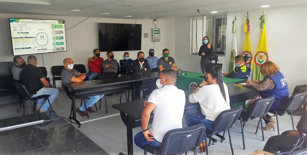 Seguridad, el tema de trabajo en la mesa instalada por la Secretaría de Gobierno y la Policía Metropolitana de Manizales con líderes taxistas de la ciudad.