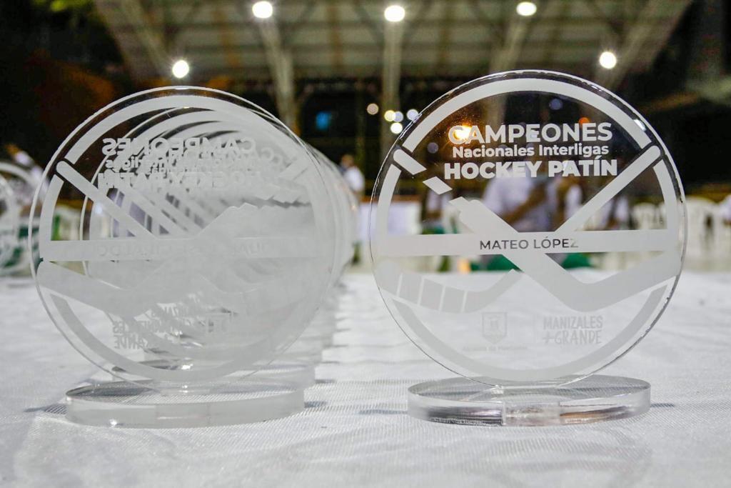 Alcaldía de Manizales entregó reconocimientos a la Liga de Patinaje, campeones nacionales interligas de hockey patín.