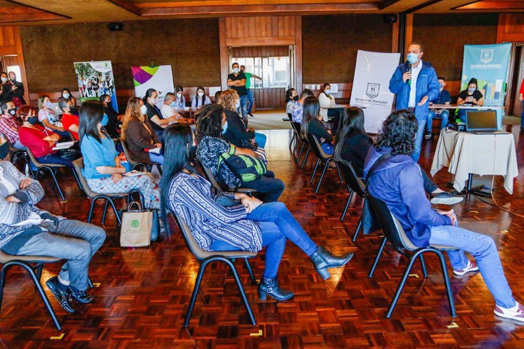 La Alcaldía de Manizales realizó una feria de servicios dirigida a 101 empresarios de 500 Micronegocios